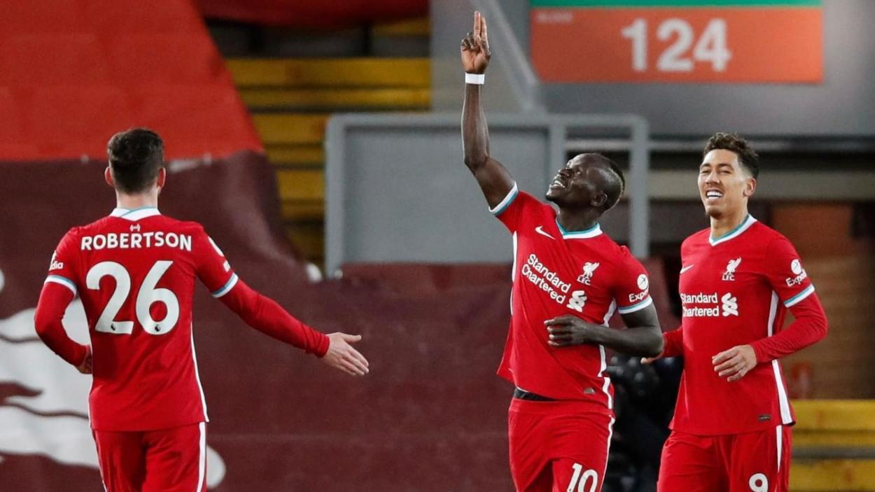 El extremo Mané celebrando el único tanto de la primera mitad.Fuente: Premier League