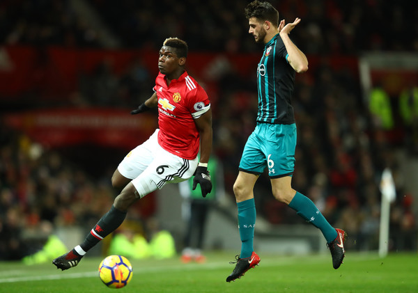 Hoedt ante Pogba. Foto: Getty Images