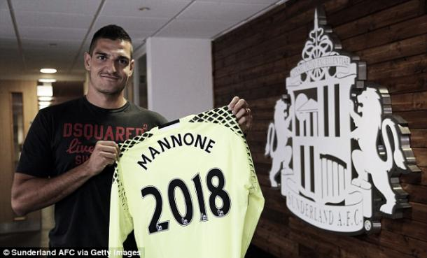 Above: Vito Mannone unveiling his new Sunderland AFC contract | Photo: Sunderland AFC via Getty Images