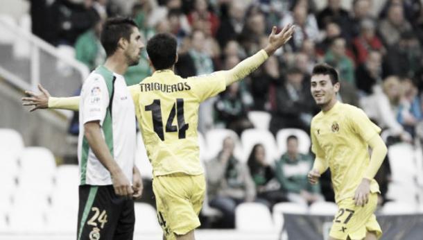 Trigueros celebra un gol con el primer equipo en la temporada 2012/2013. Imagen: Javier Cotera (El Diario Montañés)