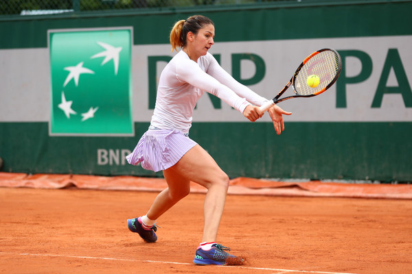 Margarita Gasparyan using her famous one-handed backhand | Photo: Julian Finney/Getty Images Europe