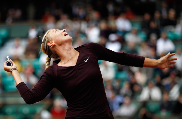 Maria Sharapova serves at the 2010 French Open | Photo: Matthew Stockman/Getty Images Europe
