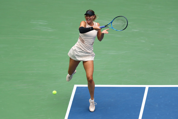Sharapova's big forehand returns backfired in the final set | Photo: Getty Images North America