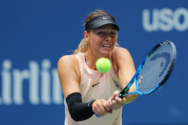 Sharapova had a great start in the second set | Photo: Richard Heathcote/Getty Images North America