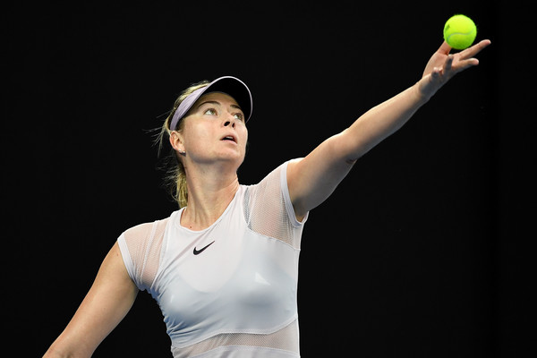Maria Sharapova serving at the 2018 Australian Open, where she fell in the third round | Photo: Quinn Rooney/Getty Images AsiaPac