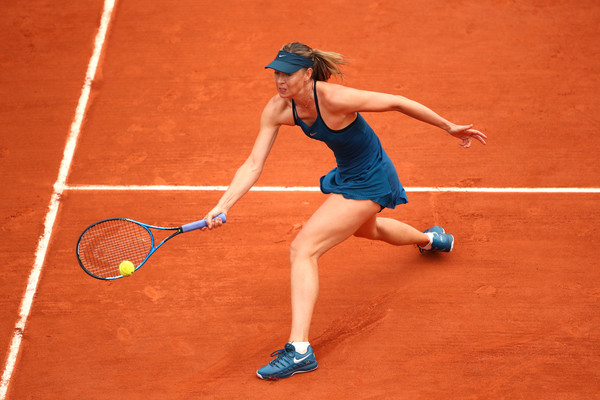 Maria Sharapova completely lost the plot from 6-1, 3-1 up | Photo: Clive Brunskill/Getty Images Europe