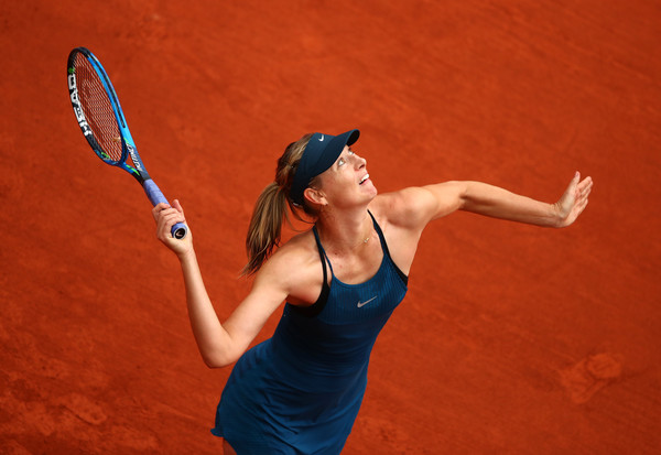 Maria Sharapova's serve went all over the place in the second set | Photo: Clive Brunskill/Getty Images Europe