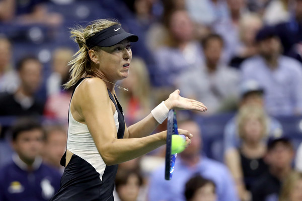Maria Sharapova remained solid at the baseline today | Photo: Matthew Stockman/Getty Images North America