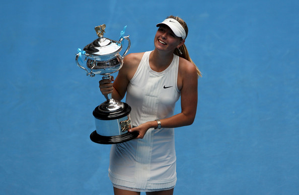 Maria Sharapova with her first and only Australian Open title | Photo: Ezra Shaw/Getty Images Sport