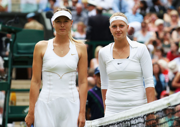 Sharapova and Kvitova pose together for a picture before the final | Photo: Julian Finney/Getty Images Europe