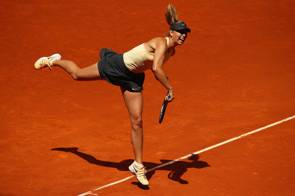 Hitting seven aces, Sharapova's serve looked in top form | Photo: Clive Brunskill/Getty Images Europe