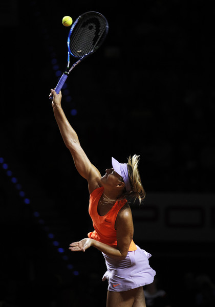 Maria Sharapova hits a serve during her first-round match against Roberta Vinci at the 2017 Porsche Tennis Grand Prix. | Photo: Adam Pretty/Bongarts