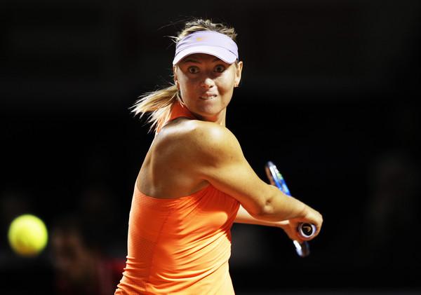 Maria Sharapova hits a backhand in Stuttgart   Photo: Adam Pretty/Bongarts