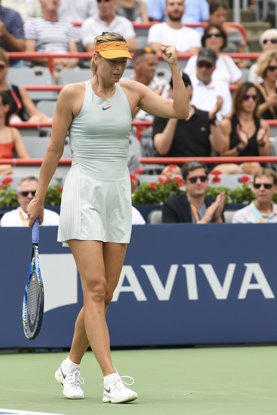 Maria Sharapova celebrates winning a point during the match | Photo: Minas Panagiotakis/Getty Images North America