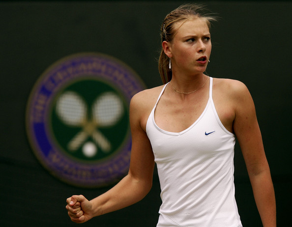 Maria Sharapova at the 2004 Wimbledon Championships | Photo: Mike Hewitt/Getty Images Sport