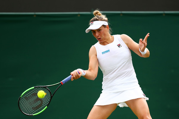 Marina Erakovic hits a forehand | Photo: Clive Brunskill/Getty Images Europe