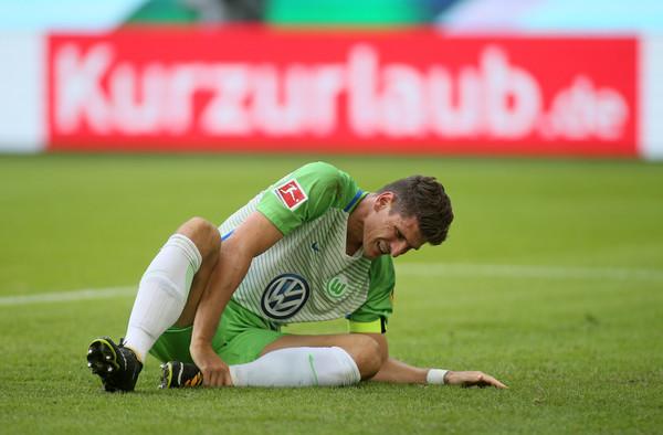 Gómez não tem data para voltar à equipe (Foto: Selim Sudheimer/Bongarts/Getty Images)