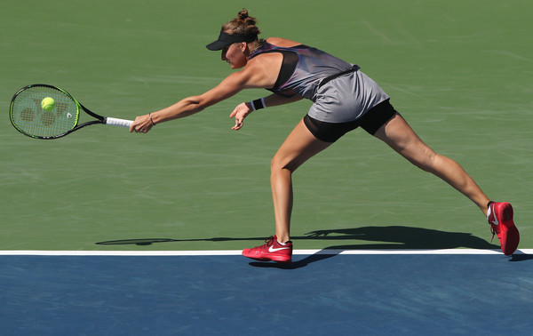 Marketa Vondrousova in action during her match | Photo: Matthew Stockman/Getty Images North America