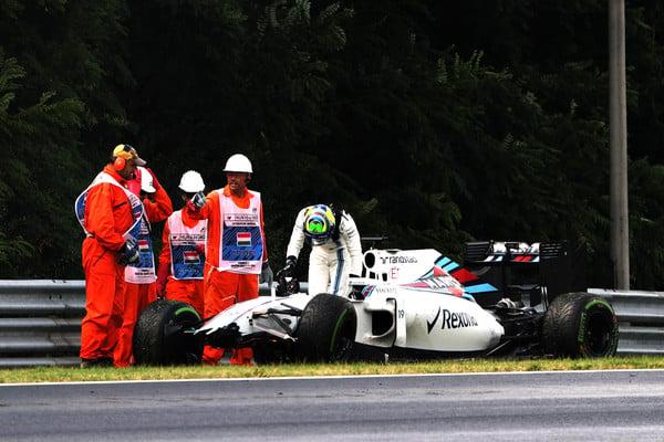 Felipe Massa sofreu, bateu e larga em 18º (Foto: Mark Thompson/Getty Images)