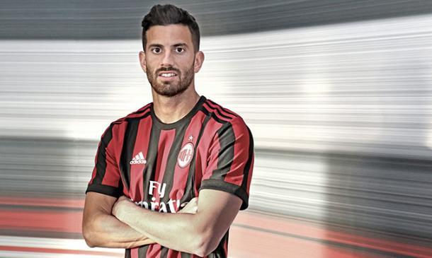 Musacchio assina por quatro temporadas (Foto: Divulgação/AC Milan)
