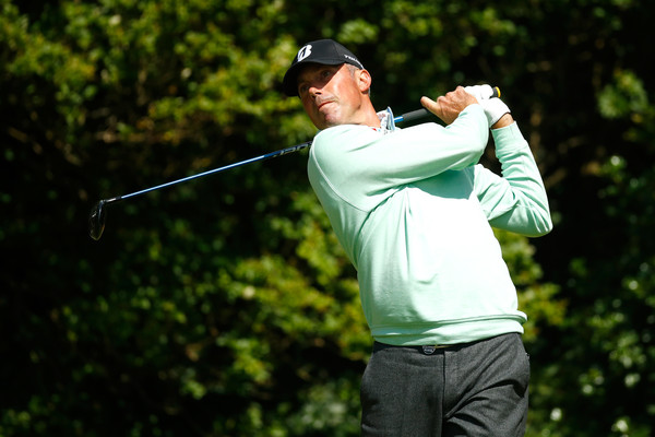 Kuchar hits his tee shot off of the 5th hole during the first round/Photo: Gregory Shamus/Getty Images Europe