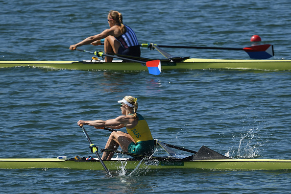 Kim Brennan and Gevvie Stone in action during the final of the Women's Single Sculls (Getty/Matthias Hangst)