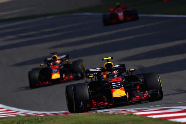 Max Verstappen delante de su compañero durante el GP de China. Fuente: Getty Images