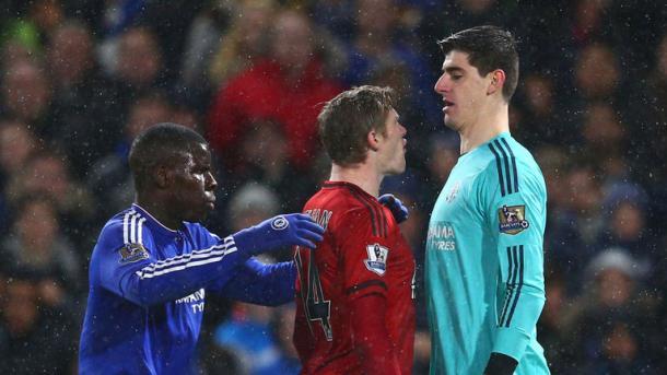 McClean confronta cara a cara con Courtois (Foto: Sky Sports)