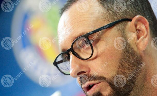 Bordalás en la rueda de prensa previa al derbi. / Foto: getafecf.com