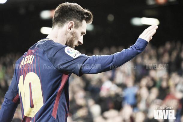 Messi, excusándose ante la afición | Foto: Noelia Déniz - VAVEL