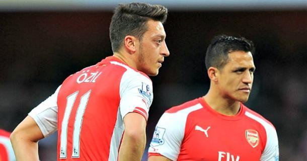 Mesut Ozil e Alexis Sanchez.   Fonte immagine: Football365