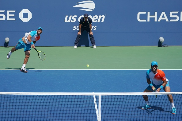 Juan Sebastian Cabal and Robert Farah serve up a win to reach the quarterfinals (Photo: Kena Betancur/Getty Images)