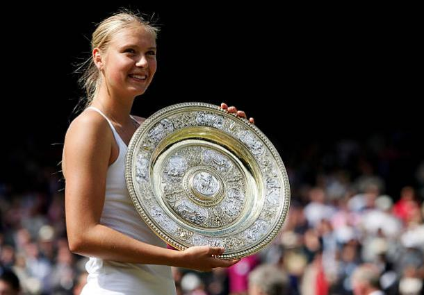Maria Sharapova with the Venus Rosewater Dish after winning the Wimbledon title in 2004 (Getty/Mike Hewitt)