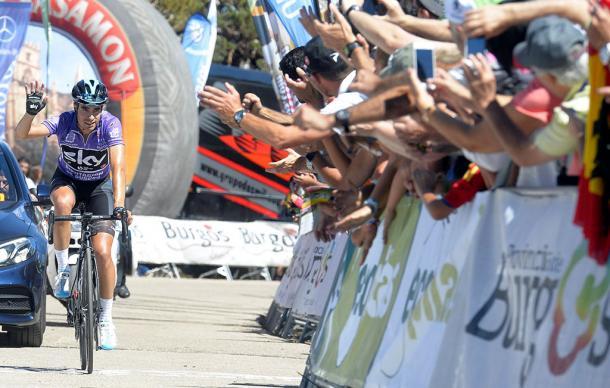 Mikel Landa entrando en meta como campeón de la Vuelta a Burgos 2017. | Foto: VueltaBurgos