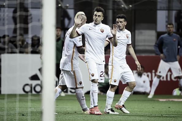 El Shaarawy não celebra seu gol em respeito à sua passagem pelo Milan (Foto: Olivier Morim/AFP)