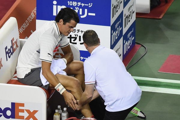 Milos Raonic receiving treatment for a calf injury which effectively ended his year | Photo: Matt Roberts/Getty Images AsiaPac