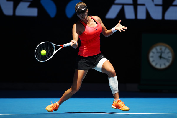 Mirjana Lucic-Baroni in action during the thriller against Karolina Pliskova in Rod Laver Arena | Photo: Clive Brunskill/Getty Images AsiaPac