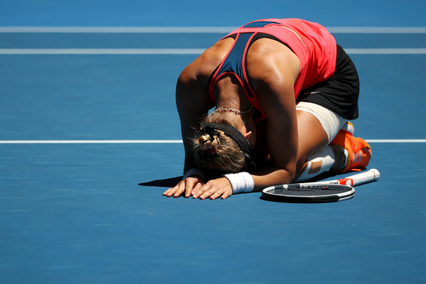 Mirjana Lucic-Baroni falls to the ground in tears after grabbing the incredible win | Photo: Cameron Spencer/Getty Images AsiaPac