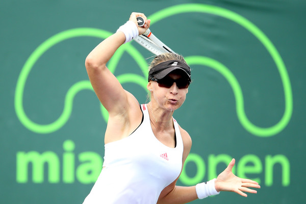 Mirjana Lucic-Baroni hits a forehand during her straight-sets victory over Agnieszka Radwanska in the third round of the 2017 Miami Open. | Photo: Matthew Stockman/Getty Images
