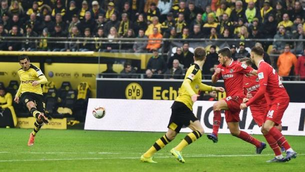 Mkhitaryan fires home the winner against Hannover | Photo: ESPN