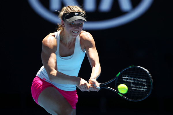 Mona Barthel in action | Photo: Clive Brunskill/Getty Images AsiaPac
