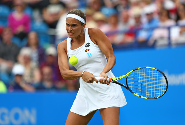 Monica Puig hits a backhand during her third round match against Caroline Wozniacki at the 2016 Aegon International. | Photo: Steve Bardens/Getty Images Europe