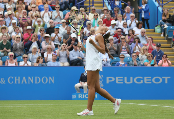 Monica Puig celebrates after defeating Caroline Wozniacki in the third round of the 2016 Aegon International. | Photo: Steve Bardens/Getty Images Europe