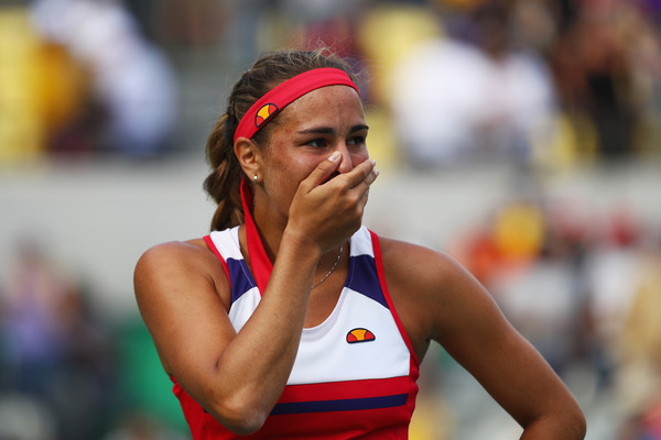 Monica Puig reacts after defeating Petra Kvitova in the semifinal of the Rio 2016 Olympic Games.   Photo: Clive Brunskill/Getty Images South America