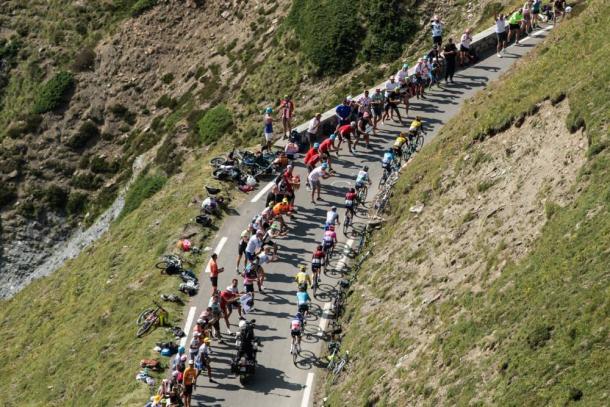 Los Pirineos imponen su ley en el pelotón.   Foto: LeTour