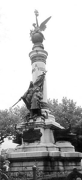 Monumento a Fernando Villaamil (1911) Castropol, Asturias (Wikipedia, DP)