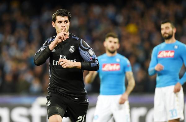 Raiola avvisa il Milan: