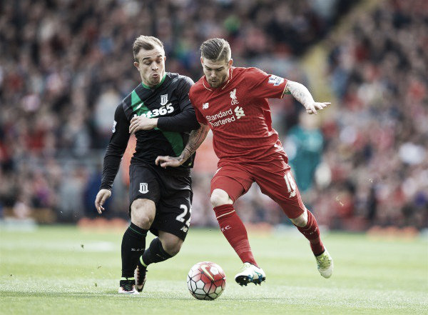 Moreno and Shaqiri battle for the ball. | Photo: thisisanfield