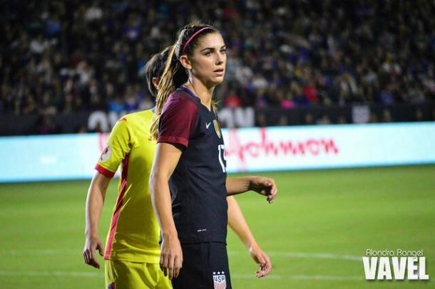 Alex Morgan during a game agaisnt Romania | Source: Alondra Rangel - VAVEL USA