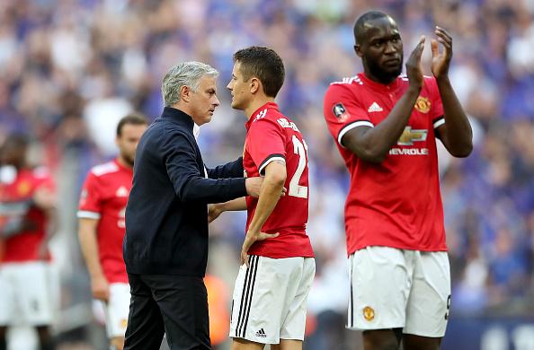 Mourinho e jogadores lamentam derrota: United fechou ano sem títulos